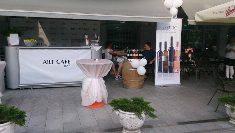 art-cafe-bar-10