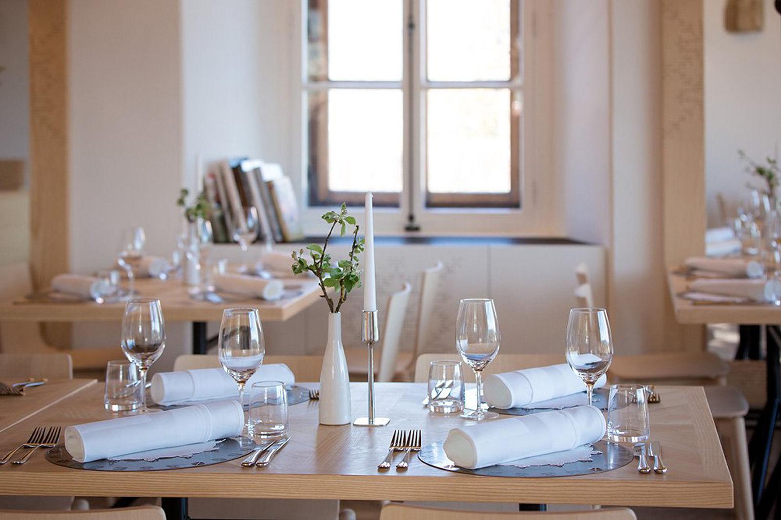 bled-castle-restaurant-03-slovenia
