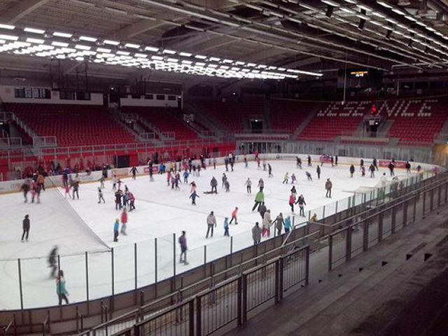 Ice skating in Podmezakla hall Jesenice