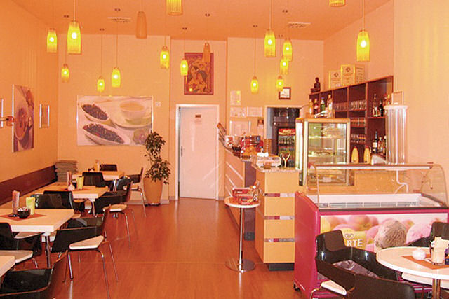 Jasmin tearoom Bled offers excellent tea, homemade tea pastry, coffee, cream cake and other desserts