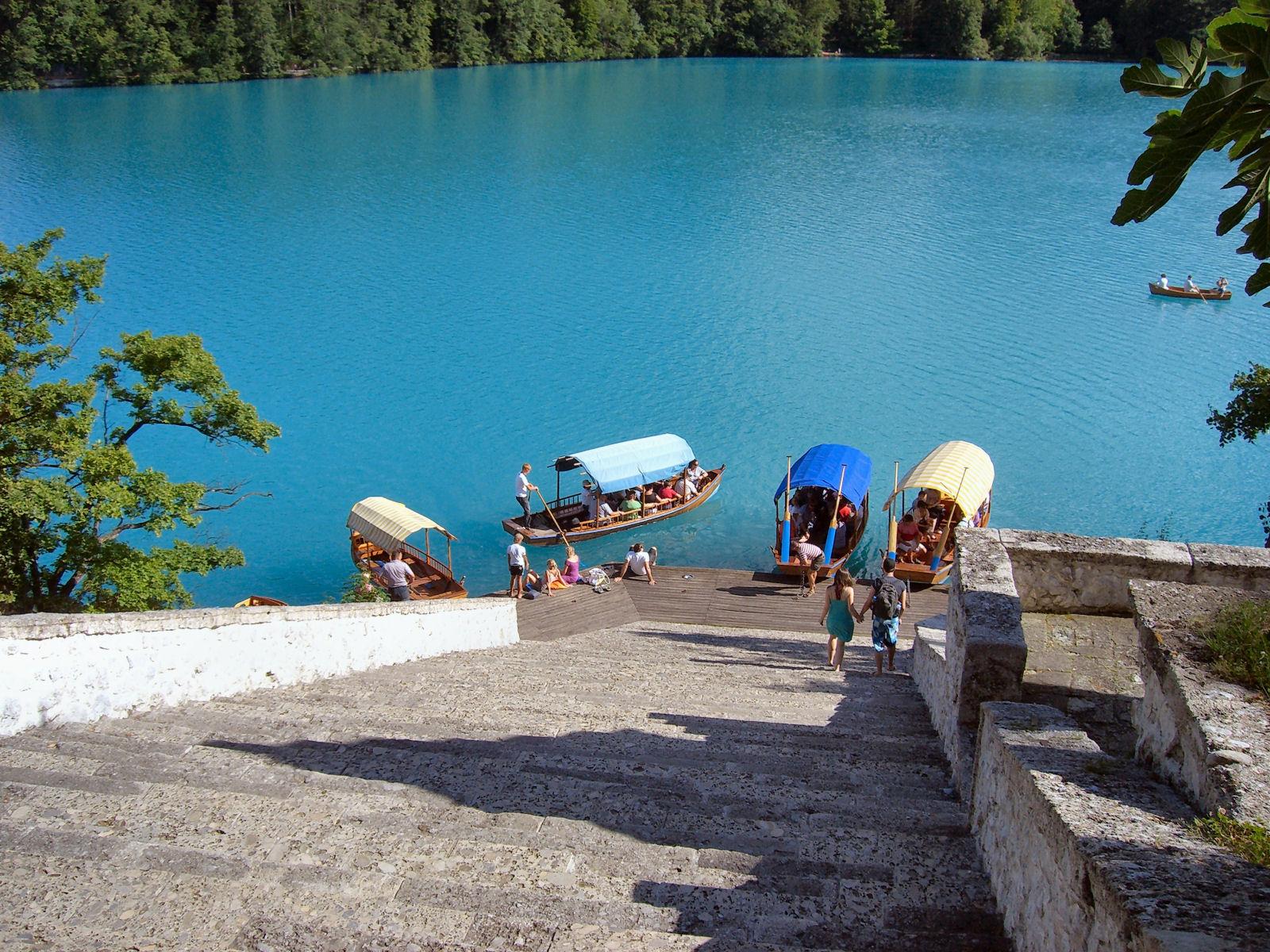 lake-bled-island-boats