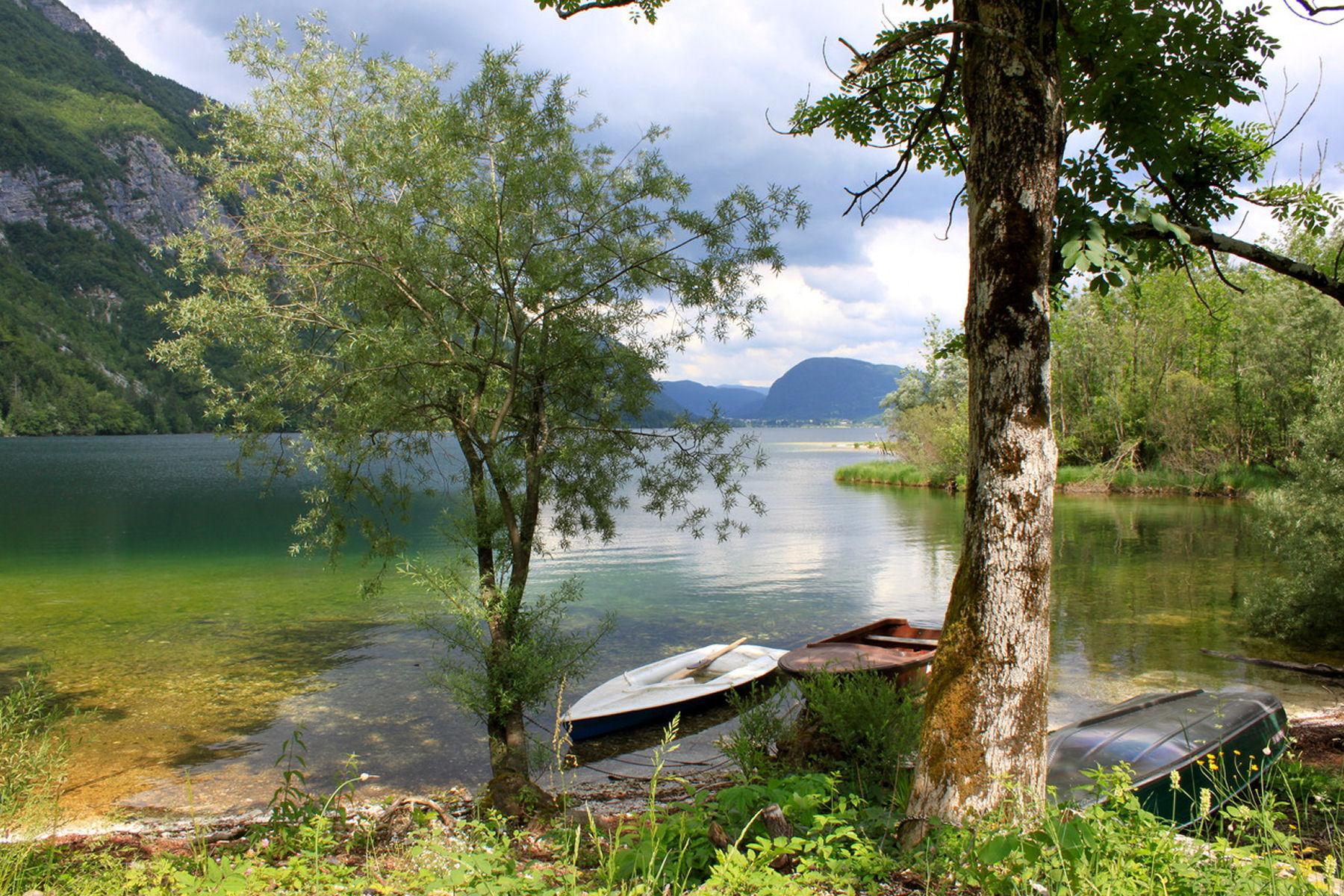 lake-bohinj-boats