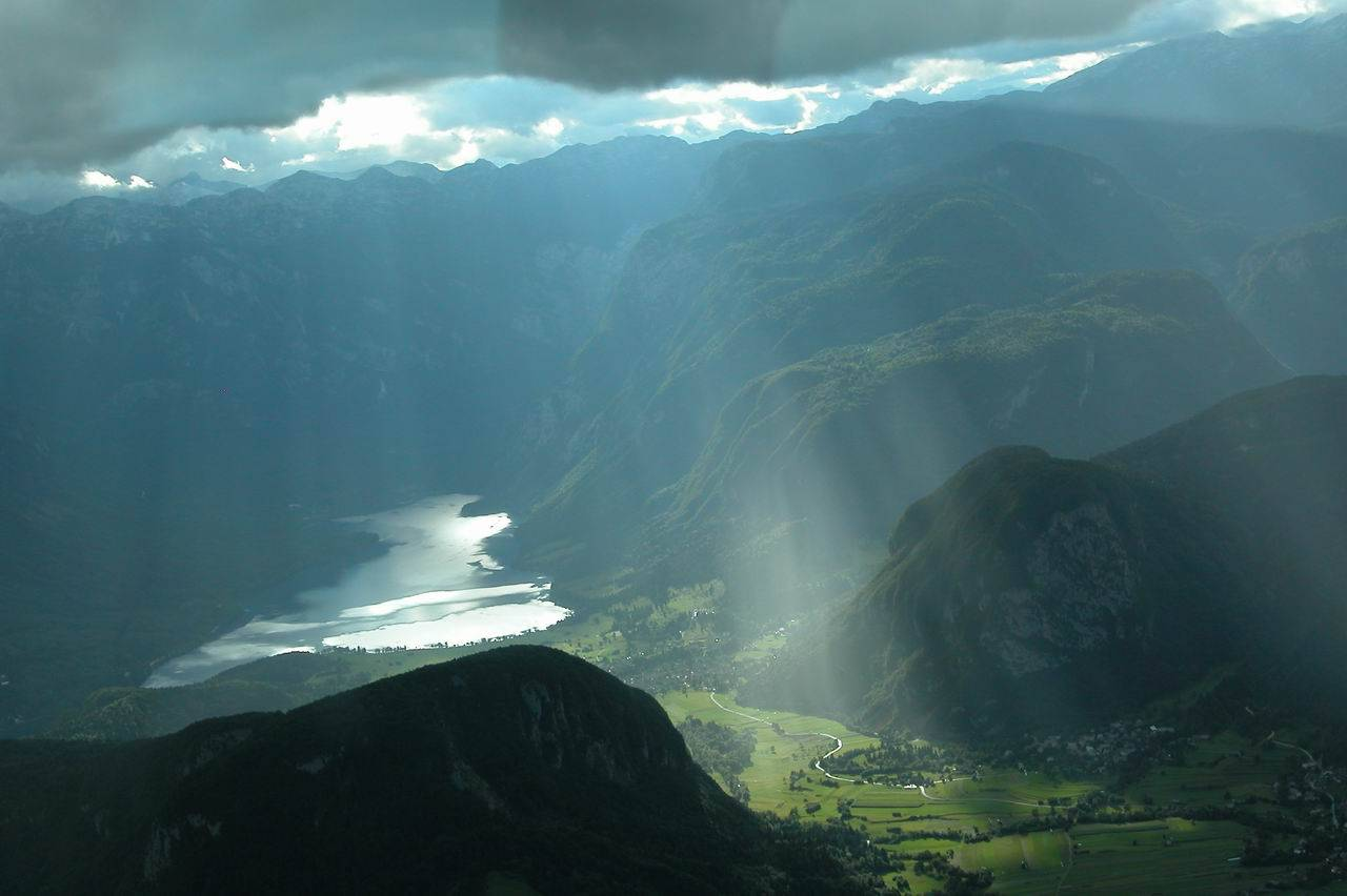 Lake Bohinj panoramic flights from from Lesce Bled Airport