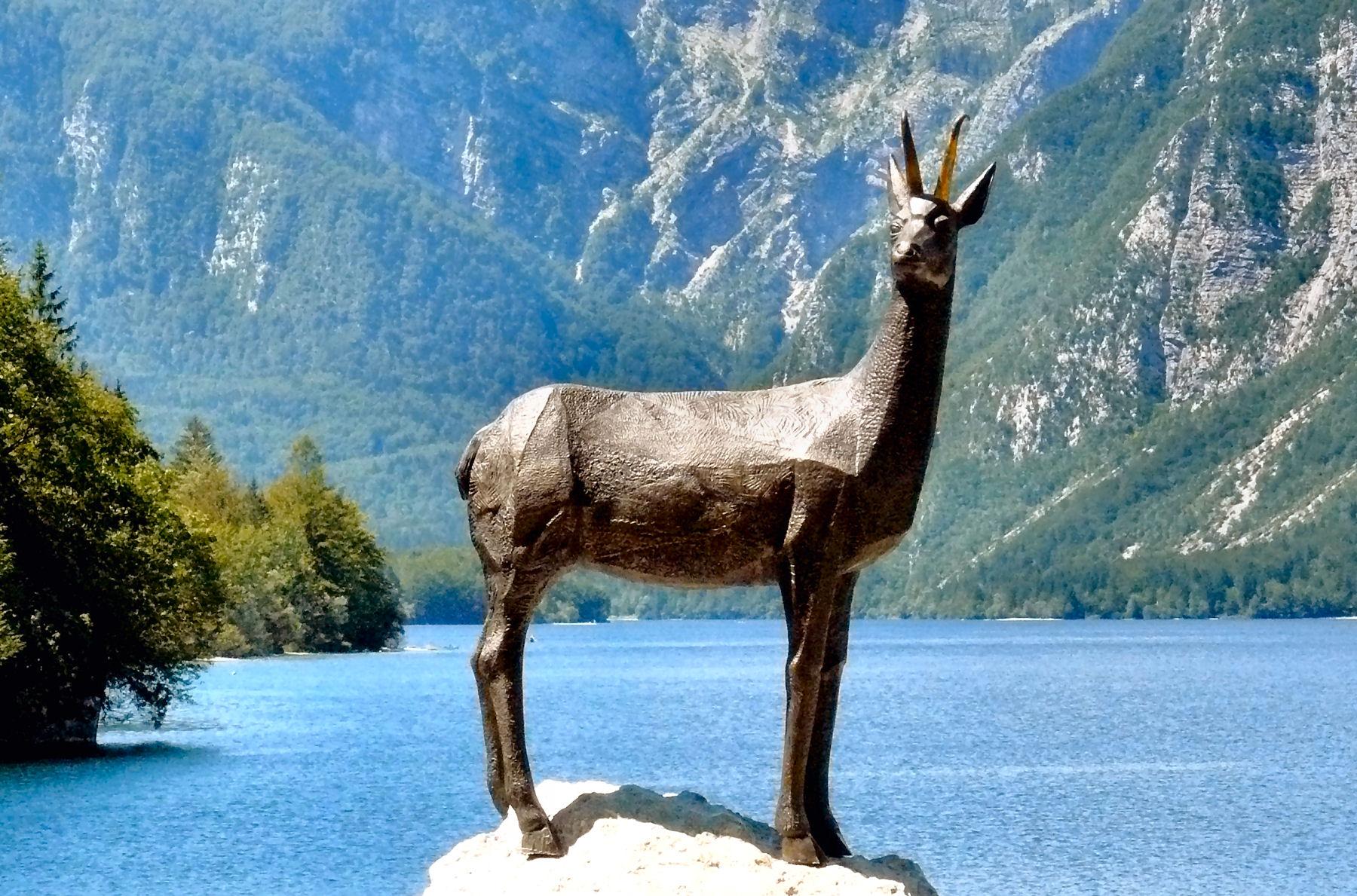 lake-bohinj-zlatorog-statue
