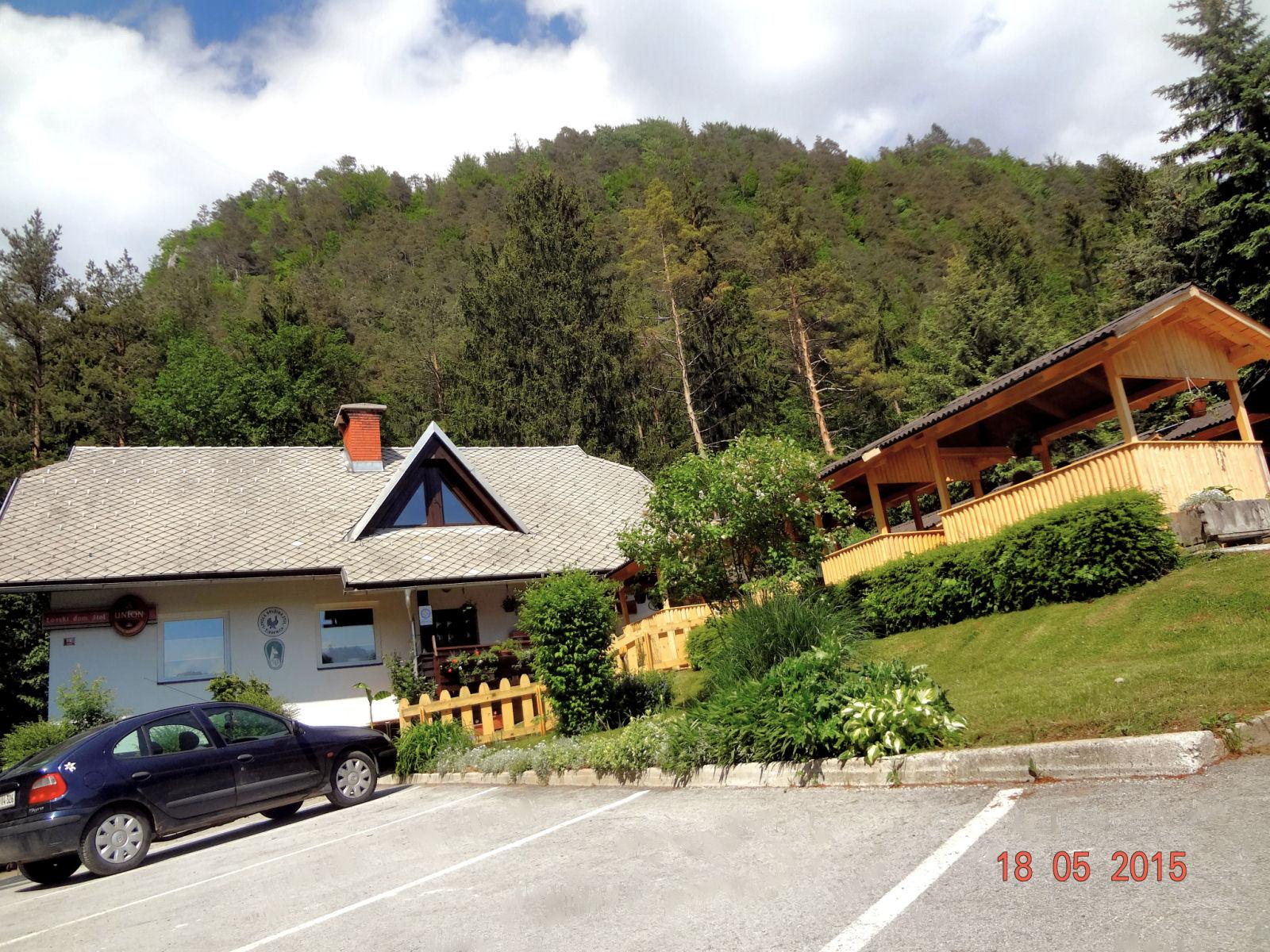 Lovski dom Stol restaurant