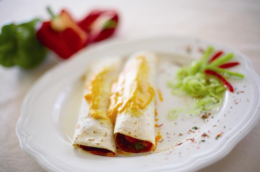 Meat or vegetable tortilla