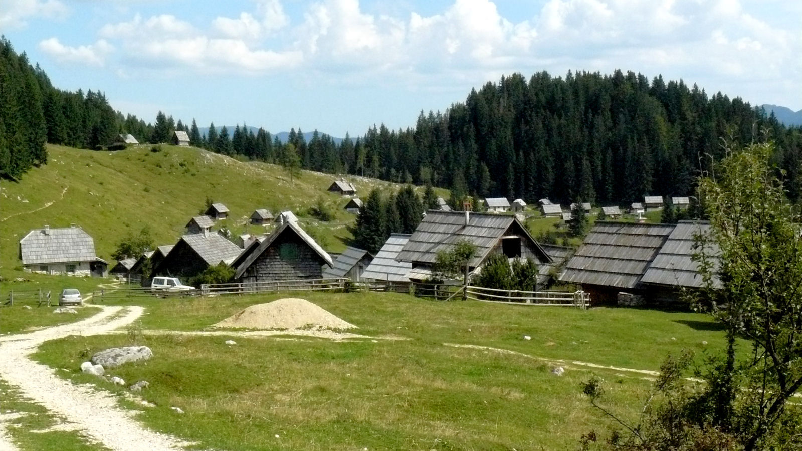 One of the most beautiful places on Pokljuka plateau is Zajamniki