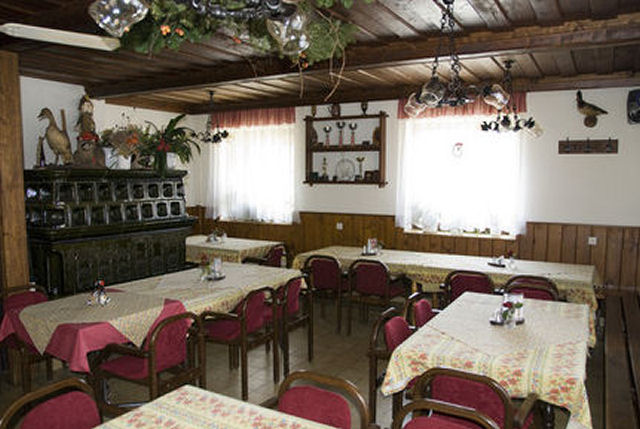 The restaurant Lovski Dom Stol is widely known for large portions