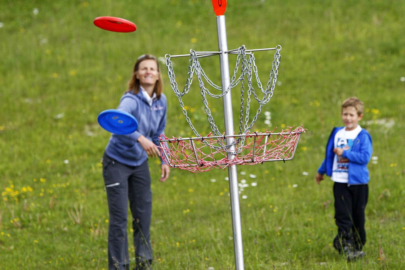 summer-park-krvavec-frisbee-golf