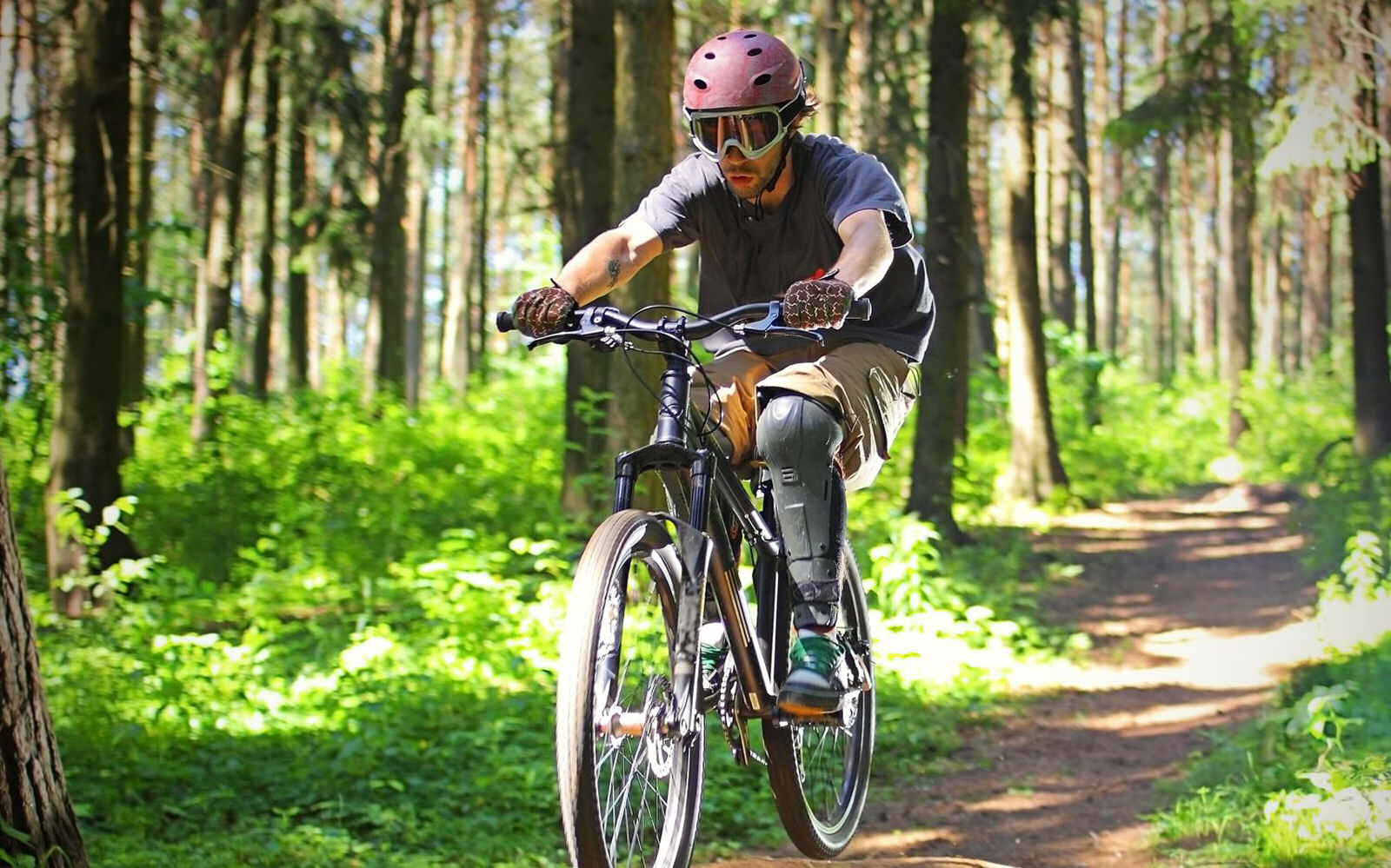 summer-park-krvavec-scott-trail