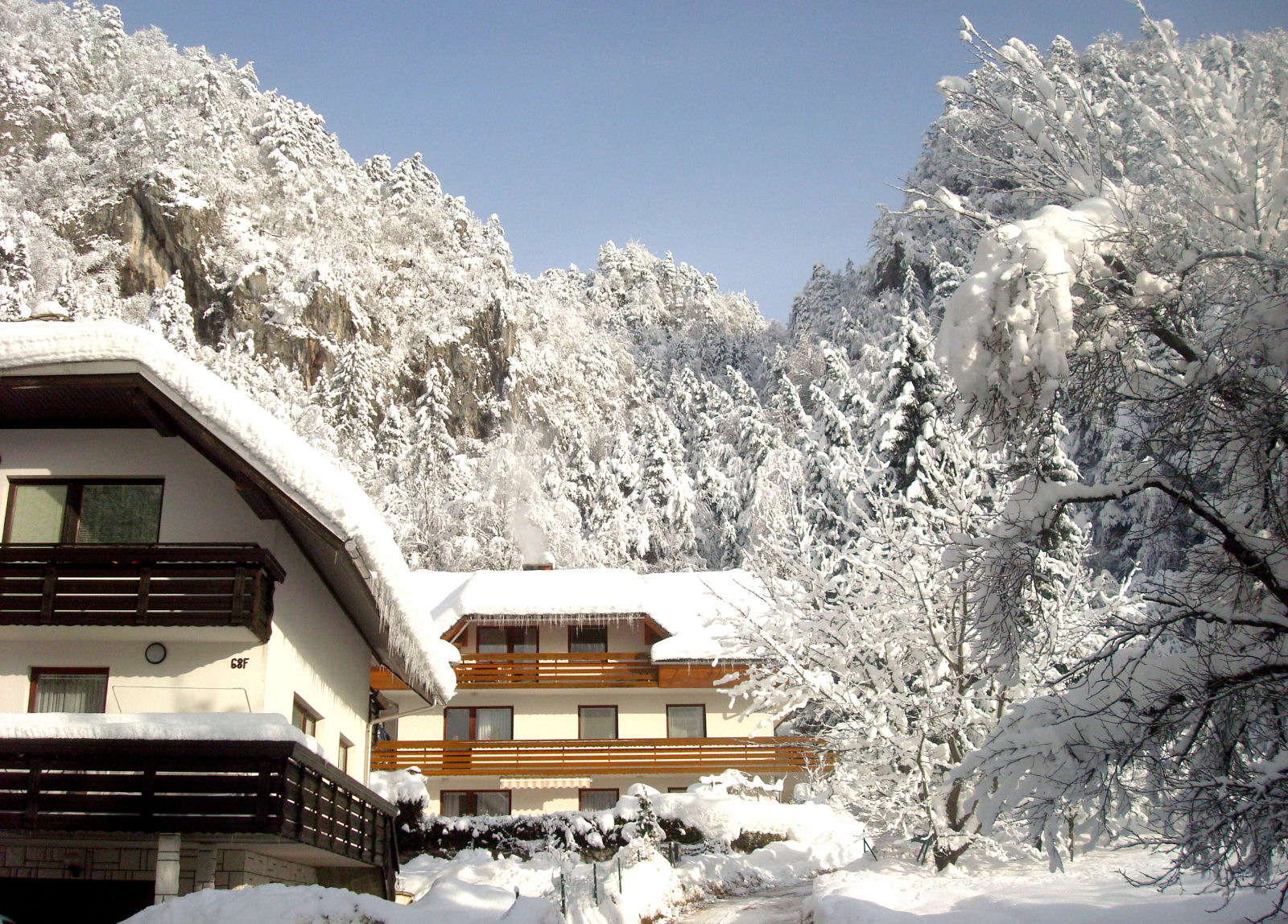 Fine Stay apartment in winter with lots of snow