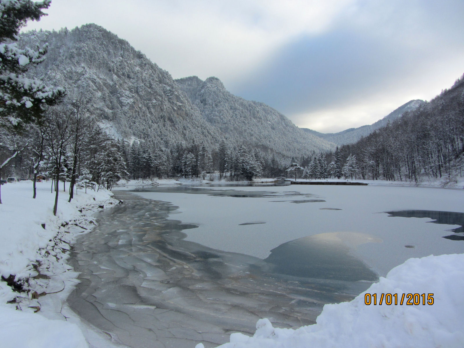 Lake Zavrsnica frozen in winter