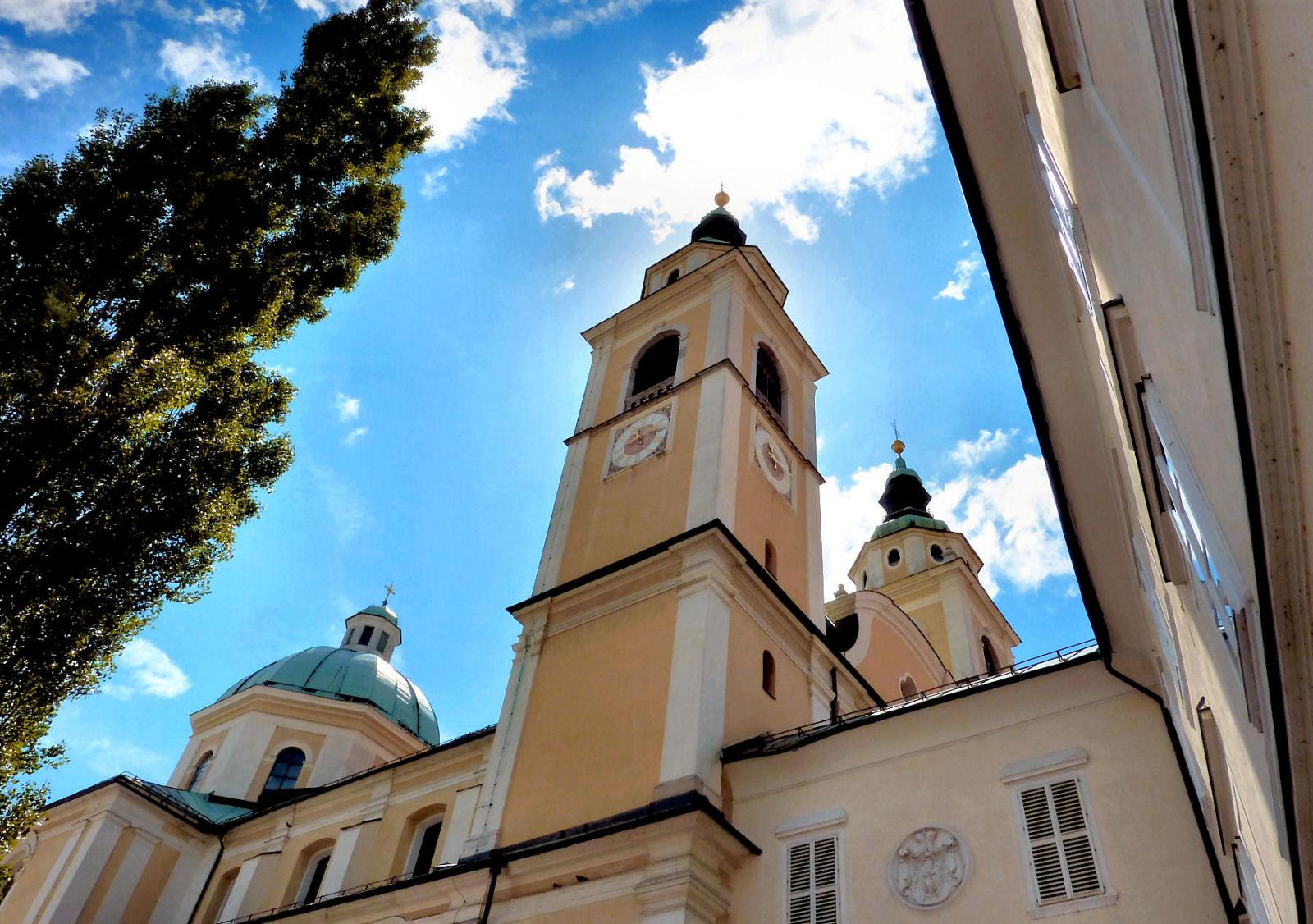 ljubljana-cathedral-exterior