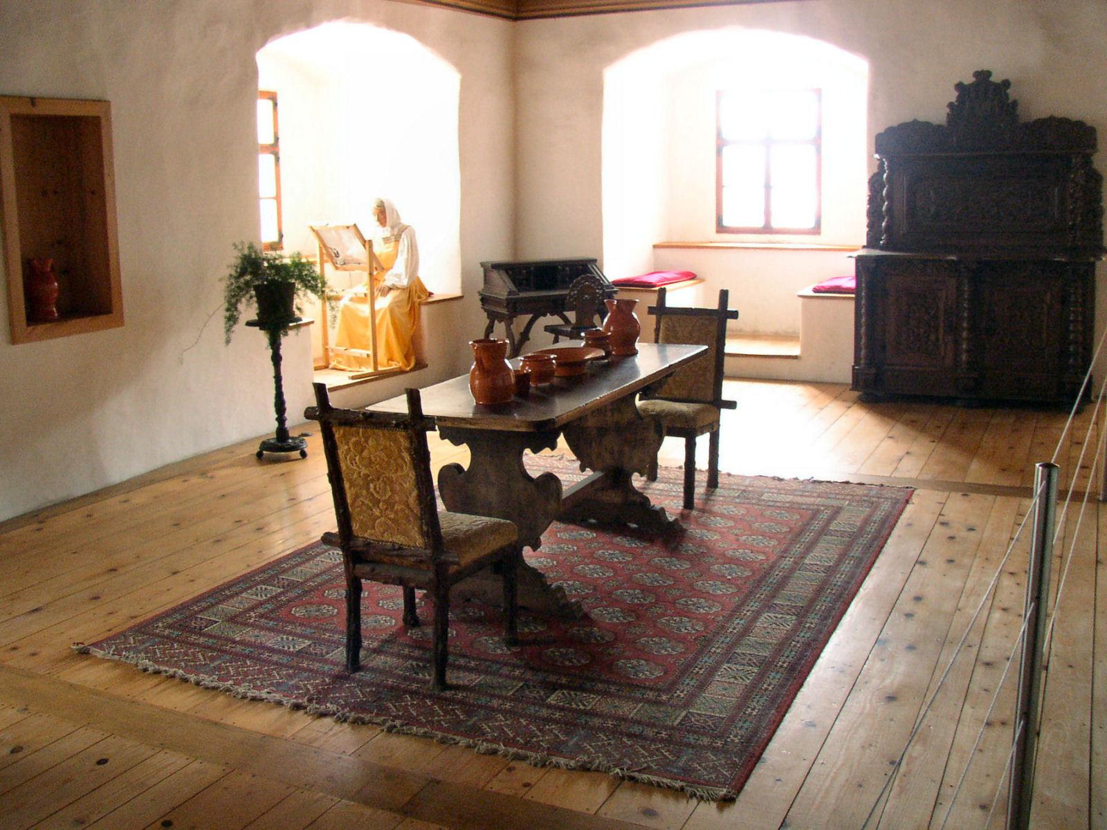 predjama-castle-slovenia-room-inside