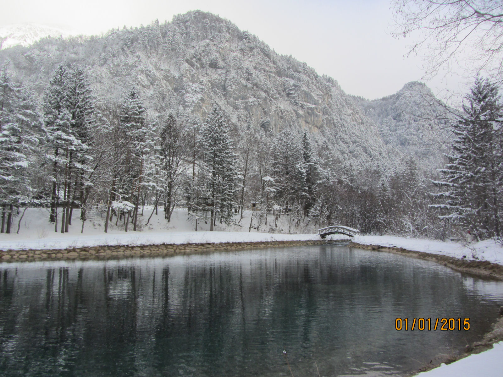 Zavrsnica reservoir and a bridge in winter