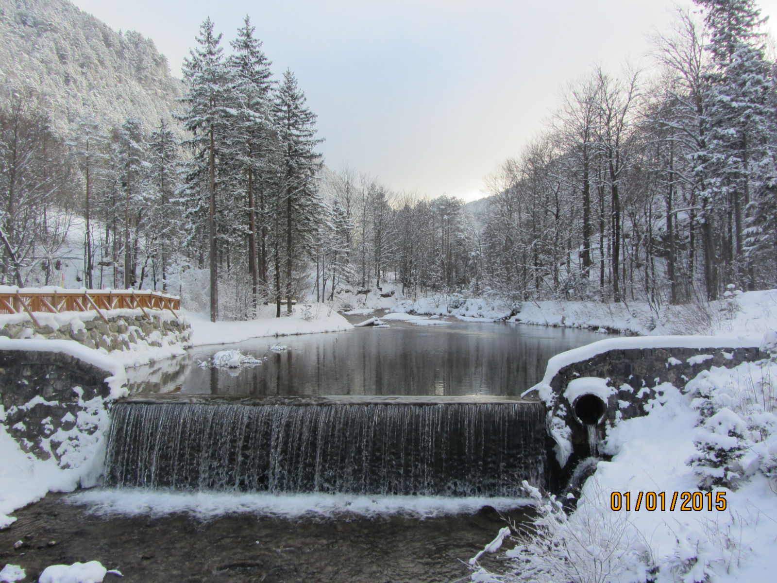 The Zavrsnica stream with snow around