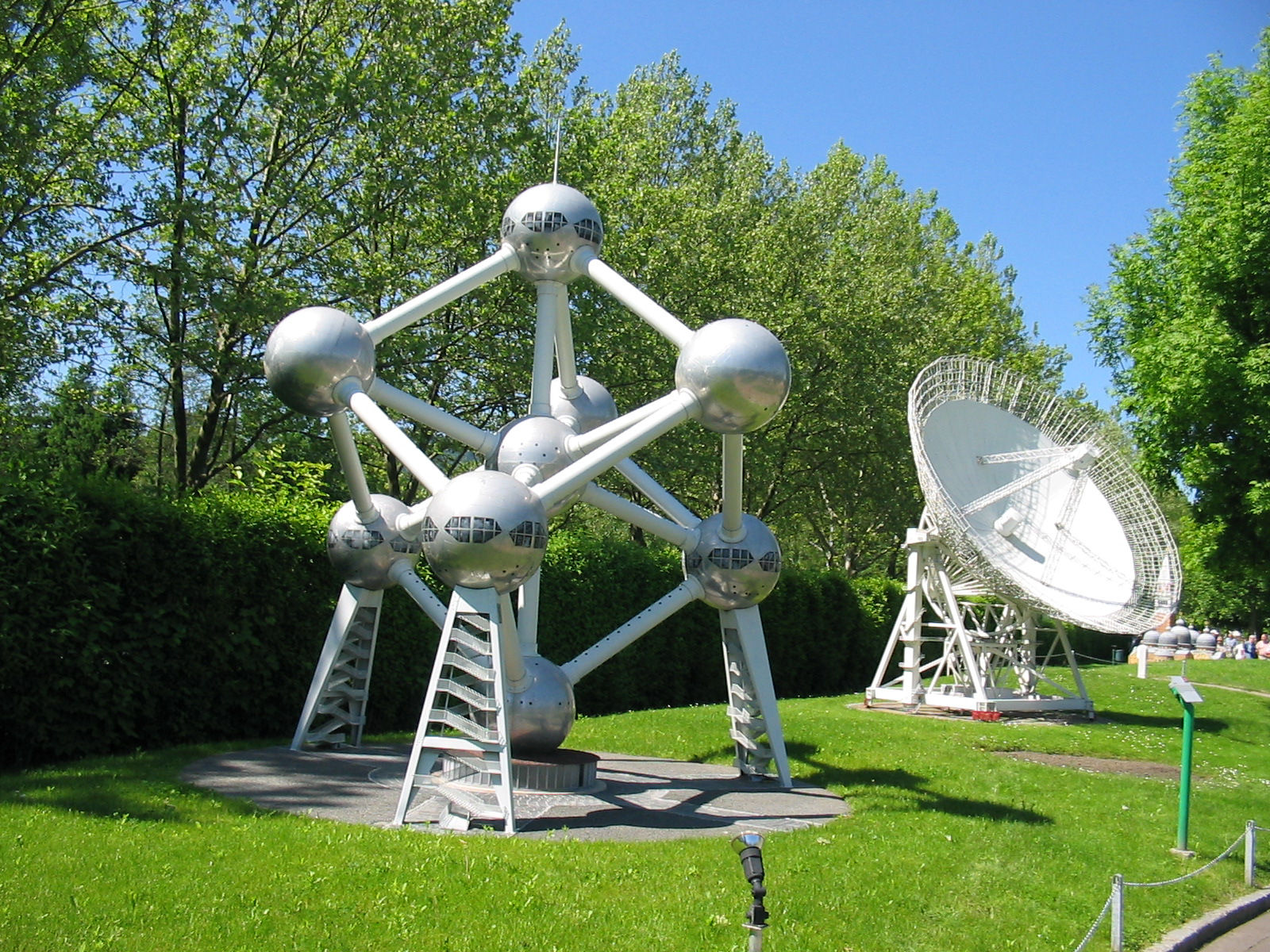 Atomium and Radioteleskop Effelsberg displayed at the Minimundus miniature park in Klagenfurt, Austria