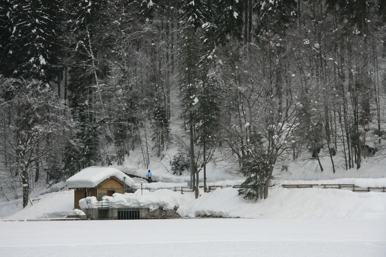 fusine-lakes-winter-03-italy
