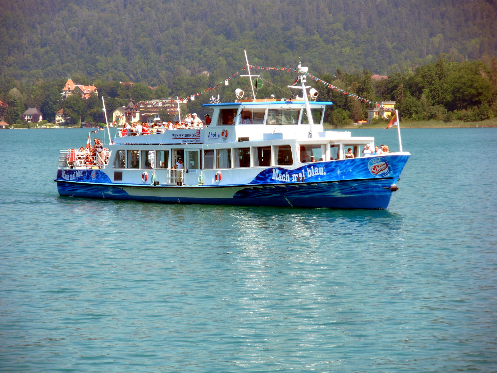 lake-woerthersee-tourist-ship-02