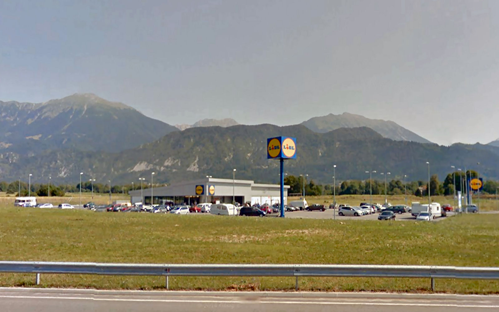Lidl supermarket Lesce, Slovenia