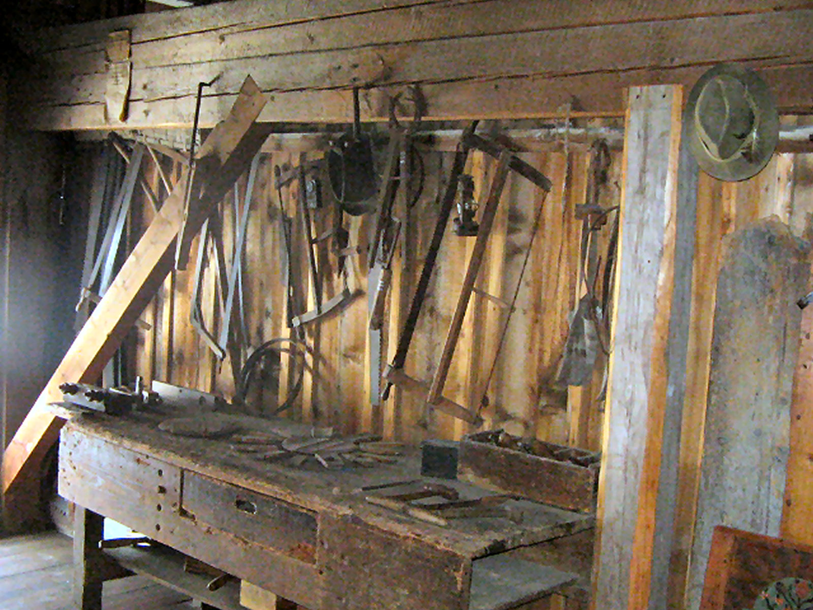 liznjek-farm-carpentry-tools-kranjska-gora