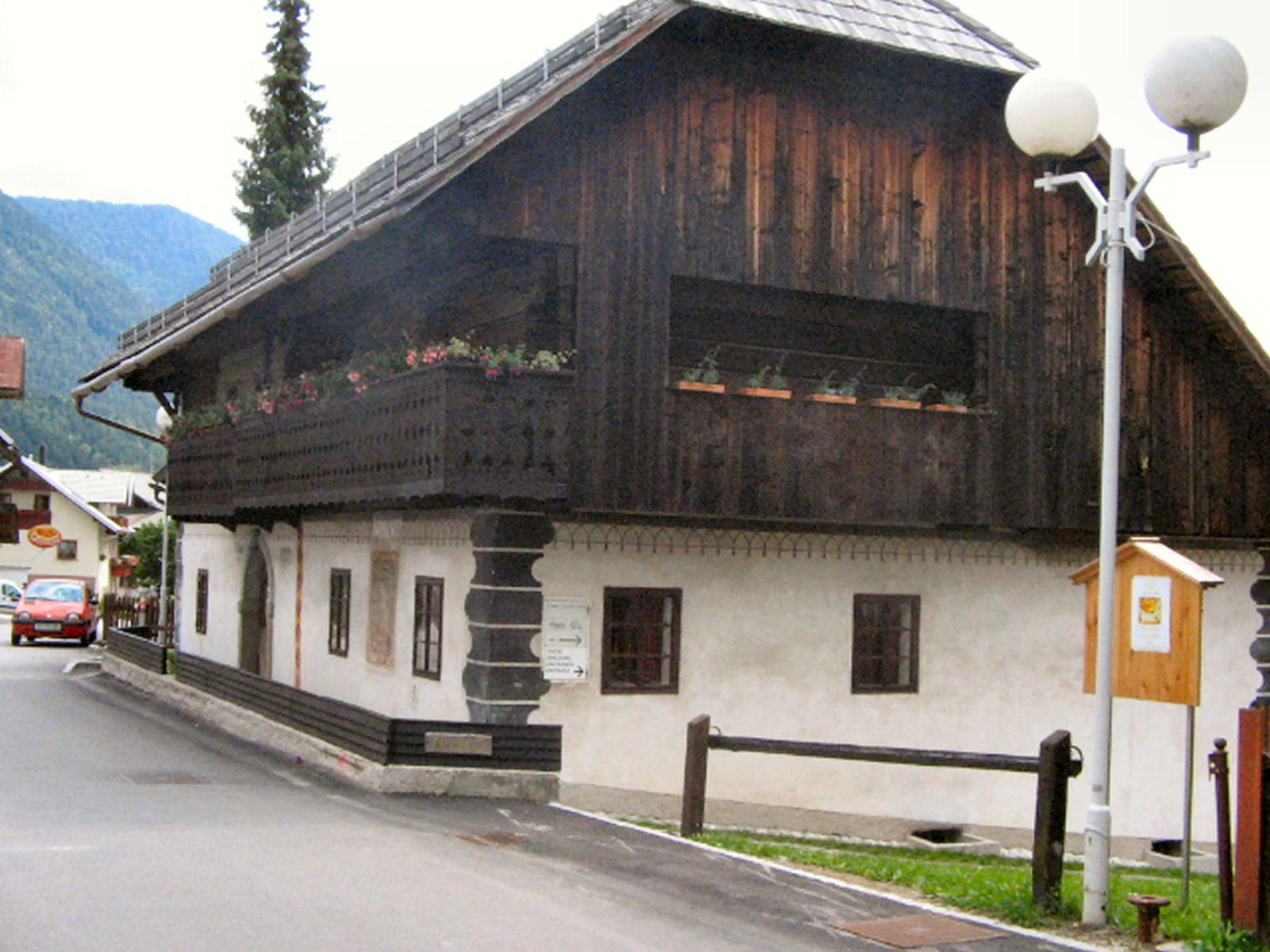 liznjek-farm-kranjska-gora-outside