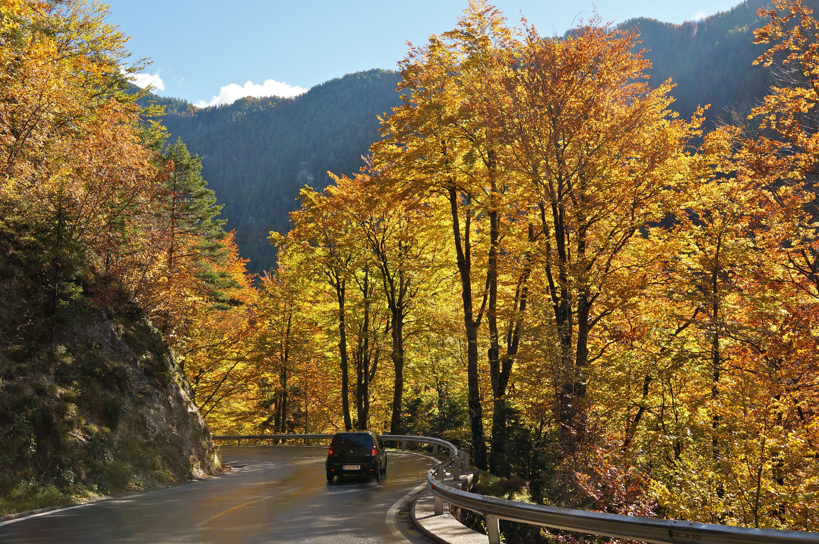 loiblpass-ljubelj-road-autumn