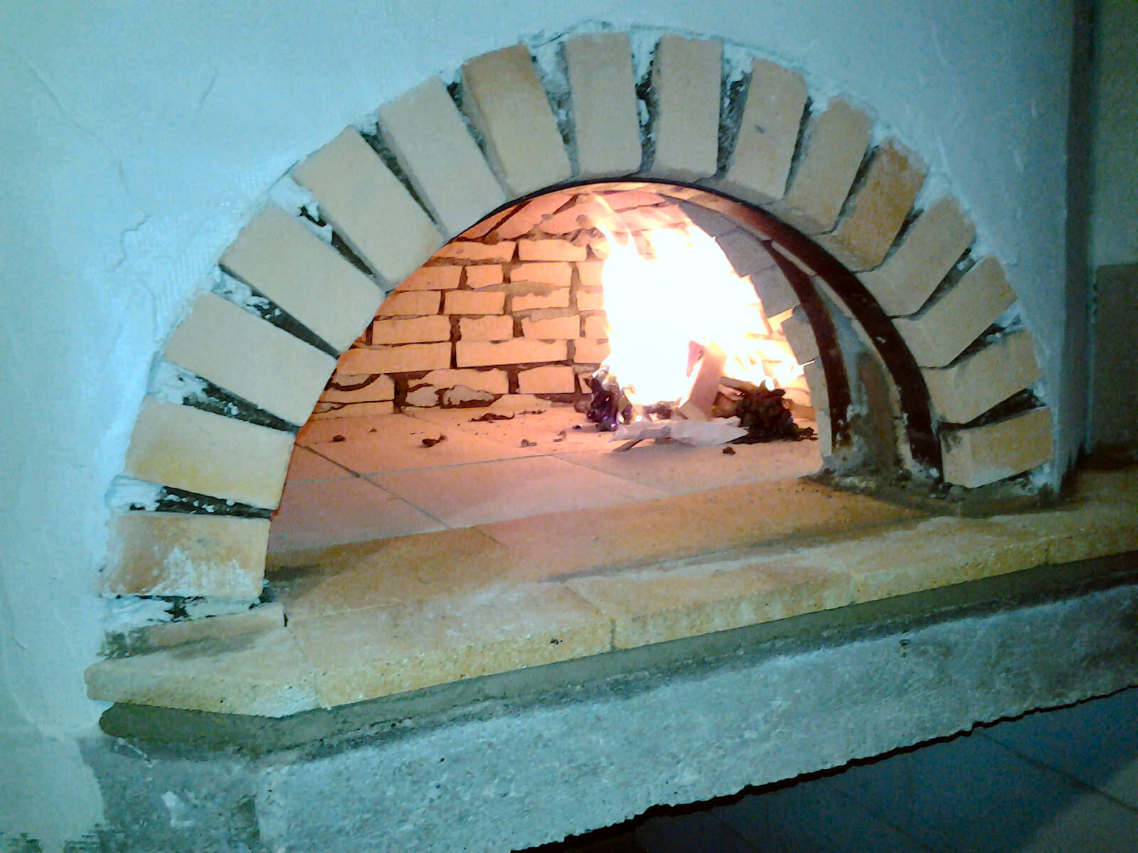 pizzeria-pri-daretu-wood-fired-pizza-oven