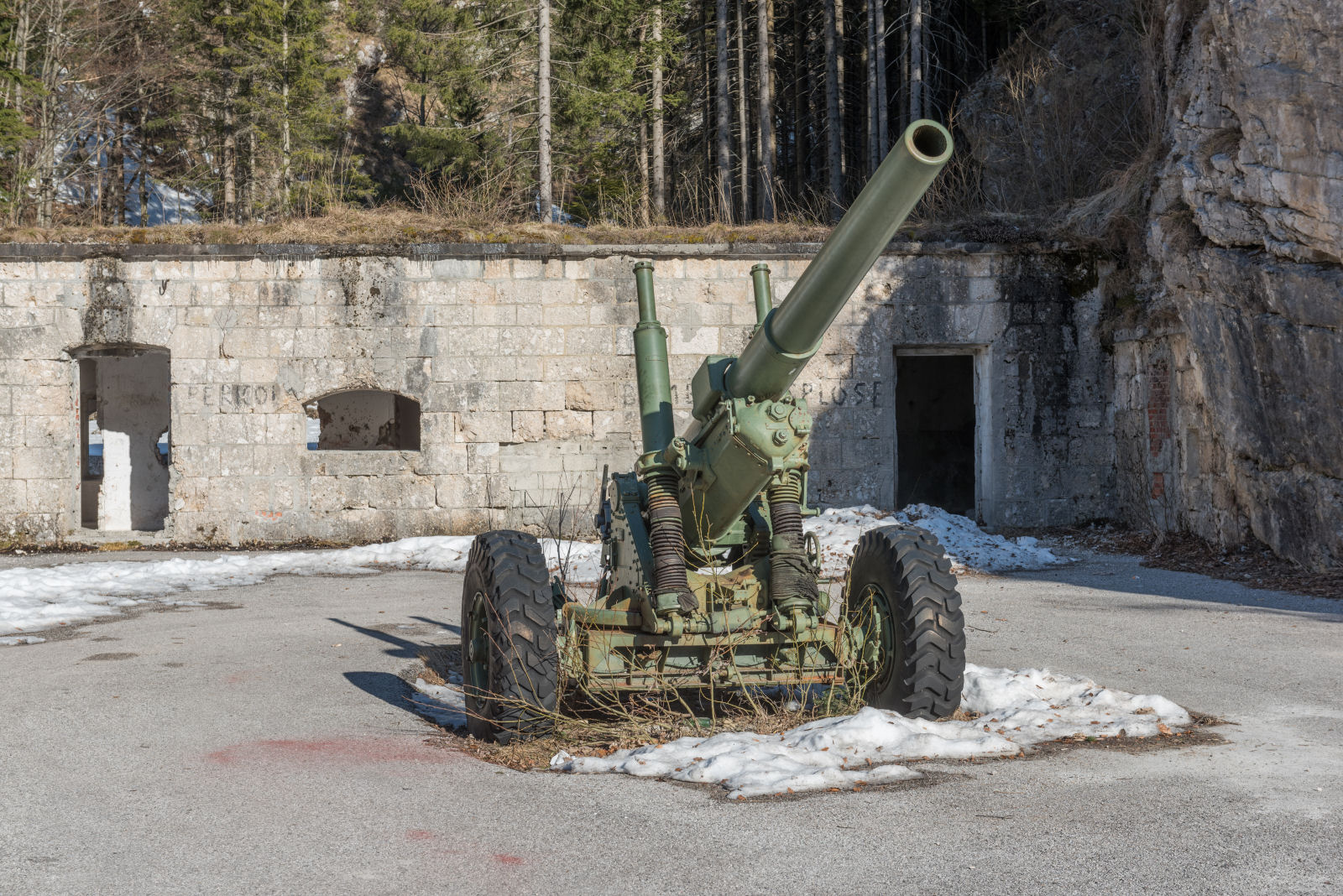 Howitzer in front of Fort Predil