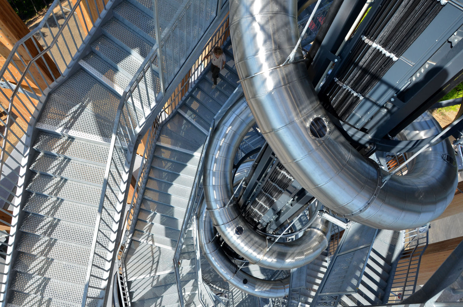 Slide, elevator and staircases of the Pyramidenkogel observation tower