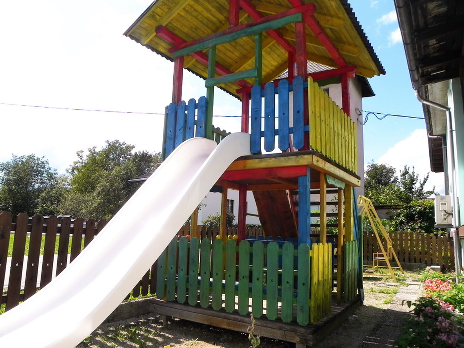 restaurant-knafel-childrens-playground-zirovnica