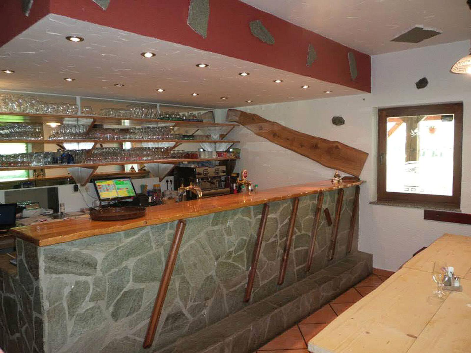 restaurant-knafel-inside-09-zirovnica