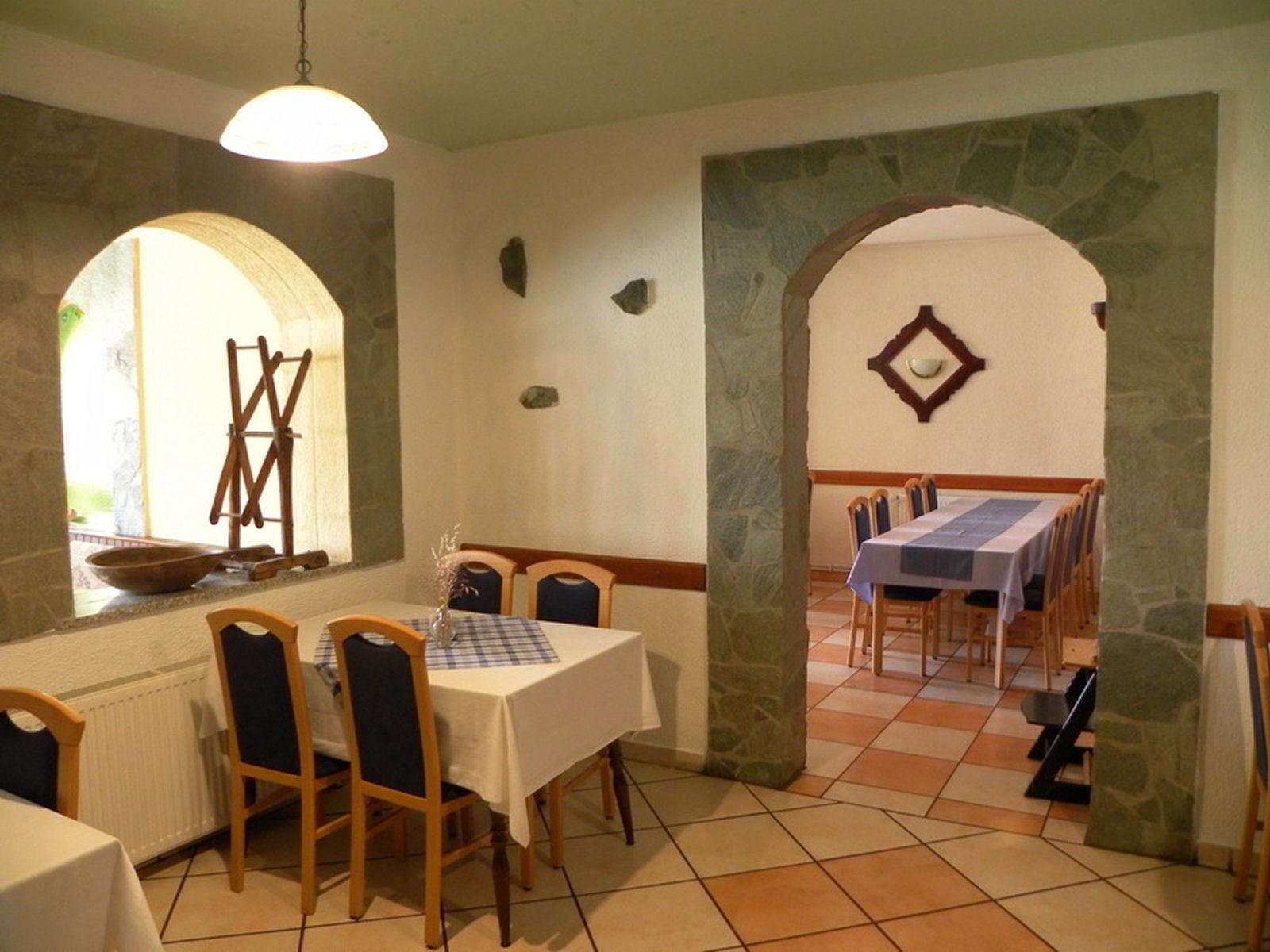 restaurant-knafel-inside-zirovnica