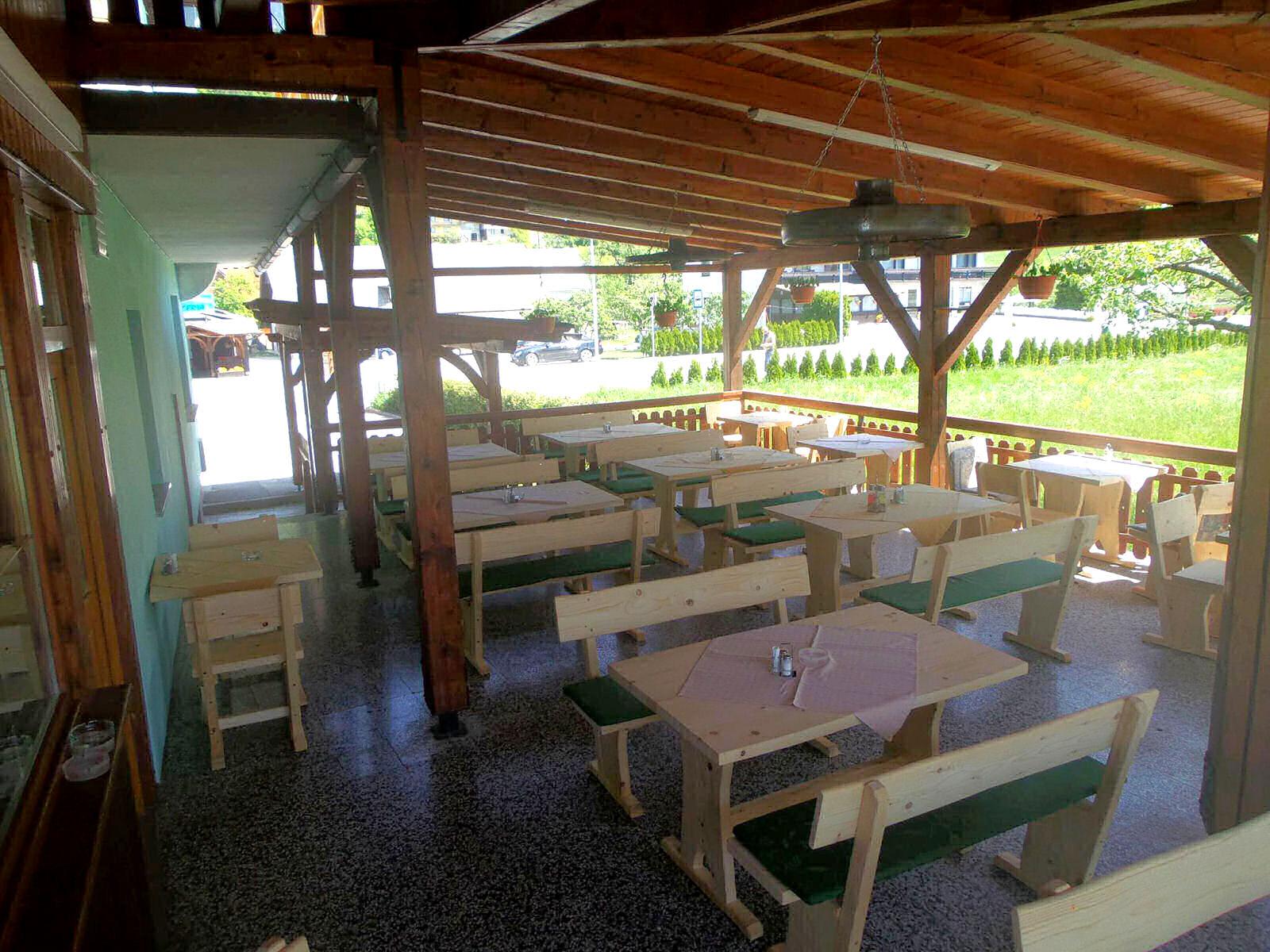 restaurant-knafel-terrace-03-zirovnica