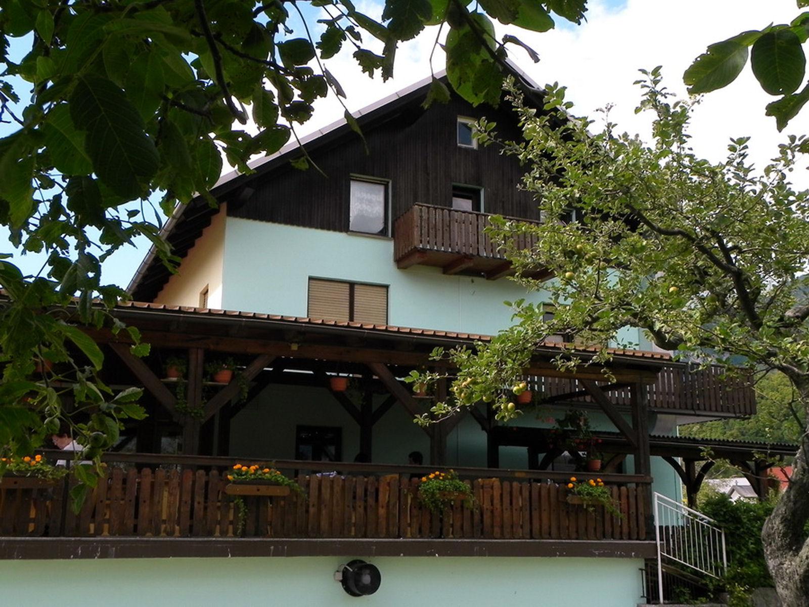 restaurant-knafel-zirovnica-04