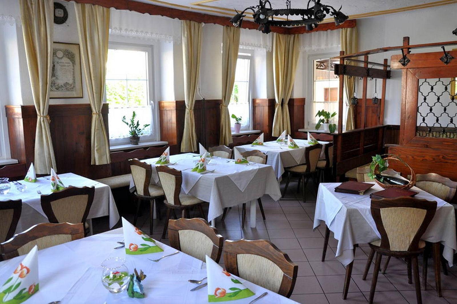 restaurant-osvald-inside-zirovnica