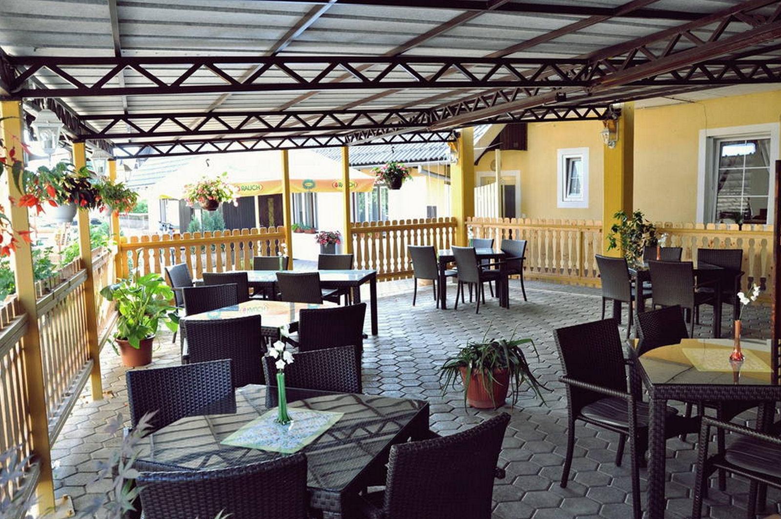 restaurant-osvald-terrace-2-zirovnica