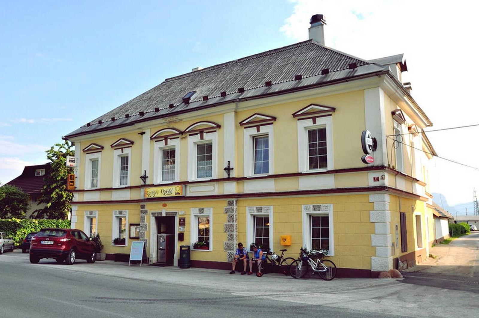 restaurant-osvald-zirovnica