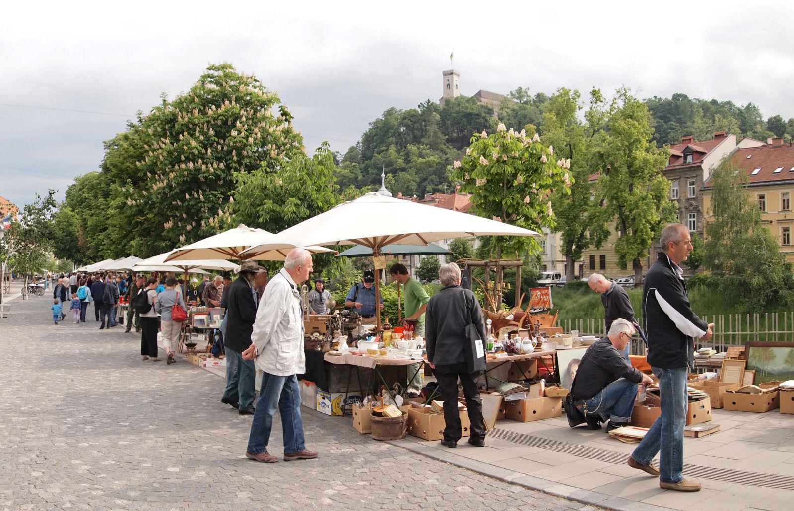 sunday-flea-market-ljubljana