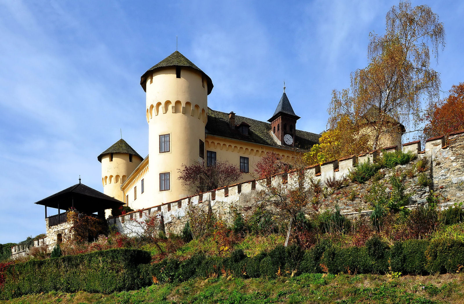 Castle Tentschach in Klagenfurt on the Lake Woerth, Carinthia, Austria