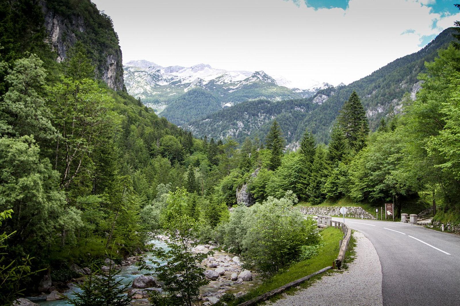 trenta-soca-road-slovenia