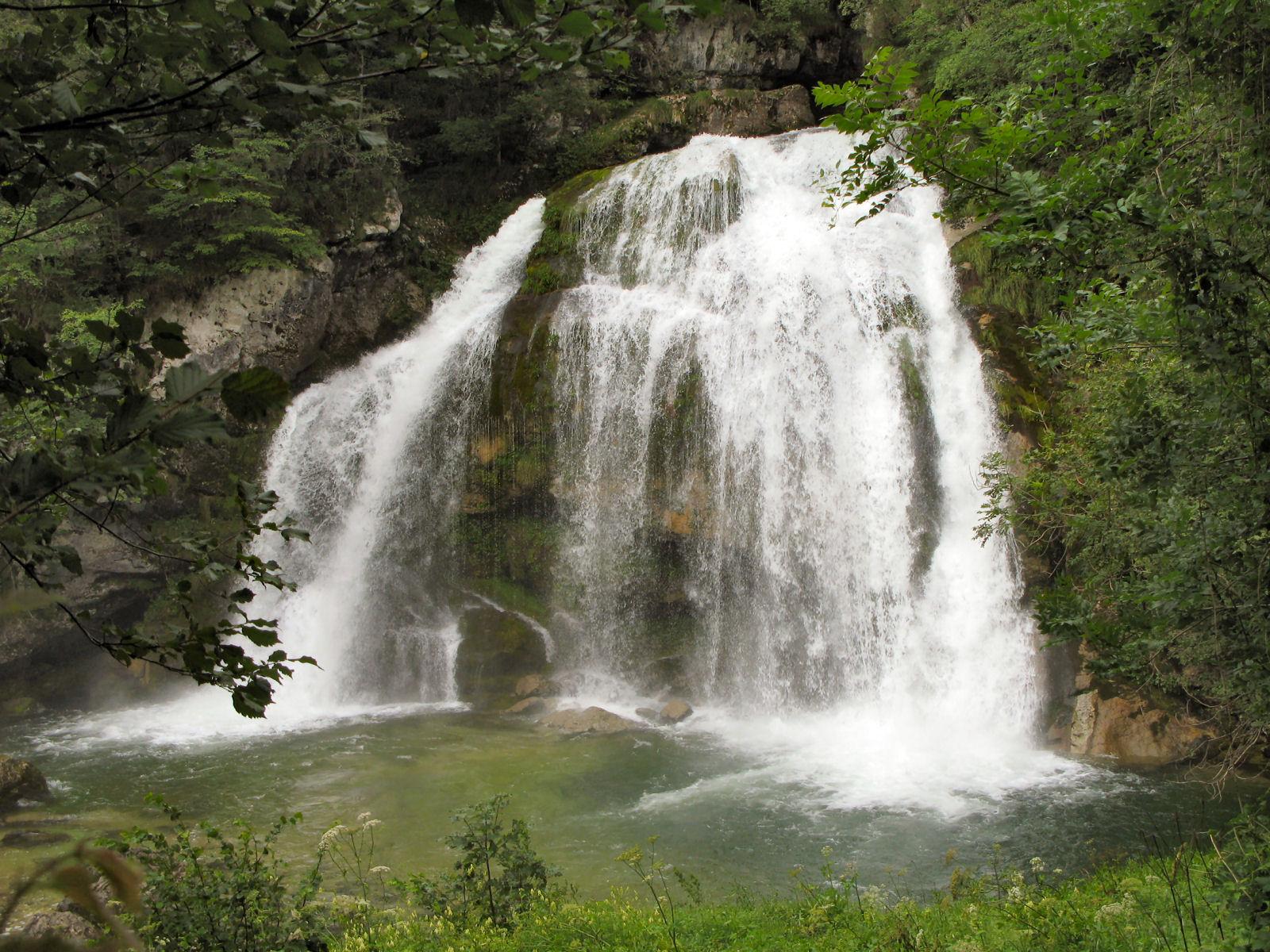 virje-waterfall-bovec-slovenia