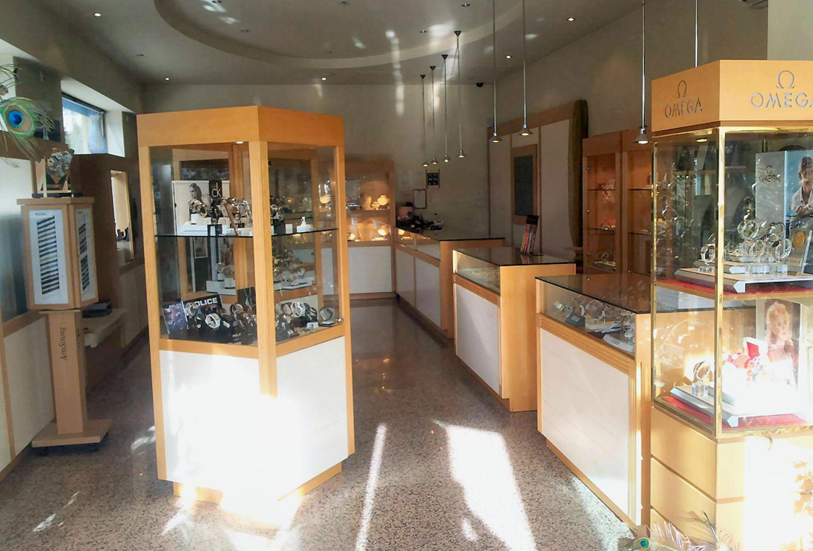 Zlatarna Celje Bled, Grad 212 jewellery