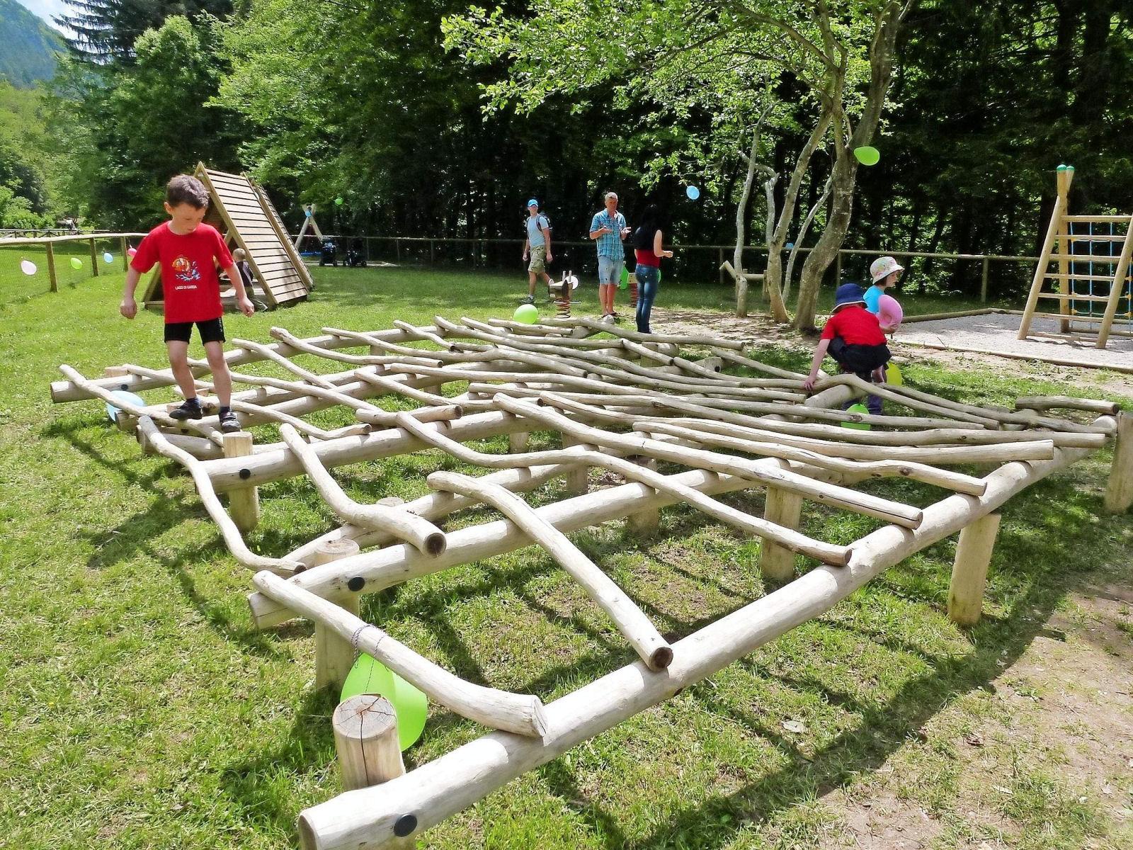 children-playground-001-recreation-park-zavrsnica