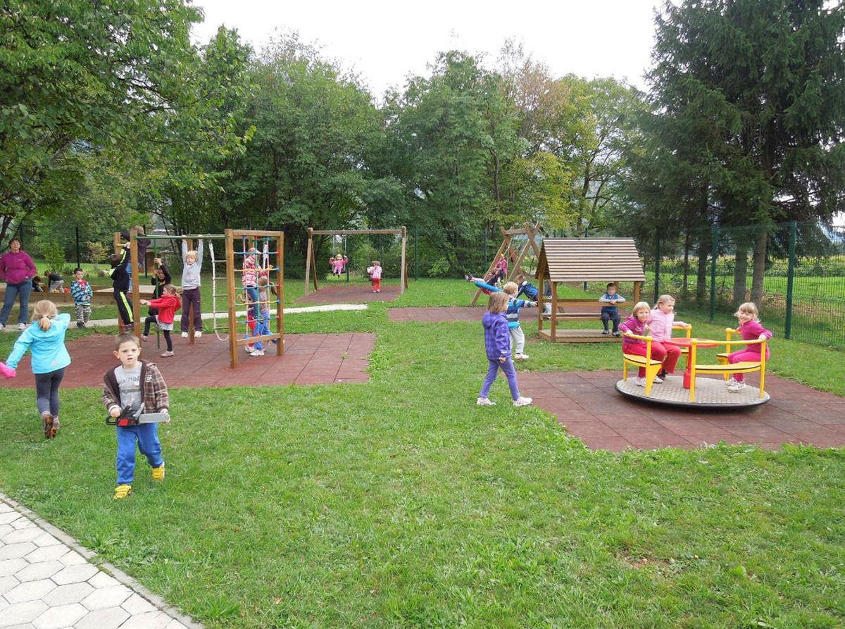 childrens-playground-breg-zirovnica-1