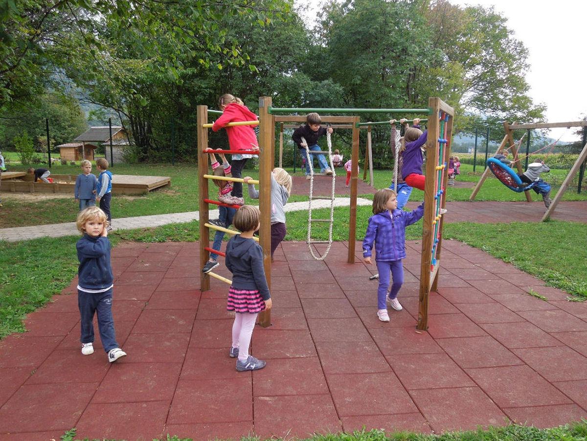 childrens-playground-breg-zirovnica-6