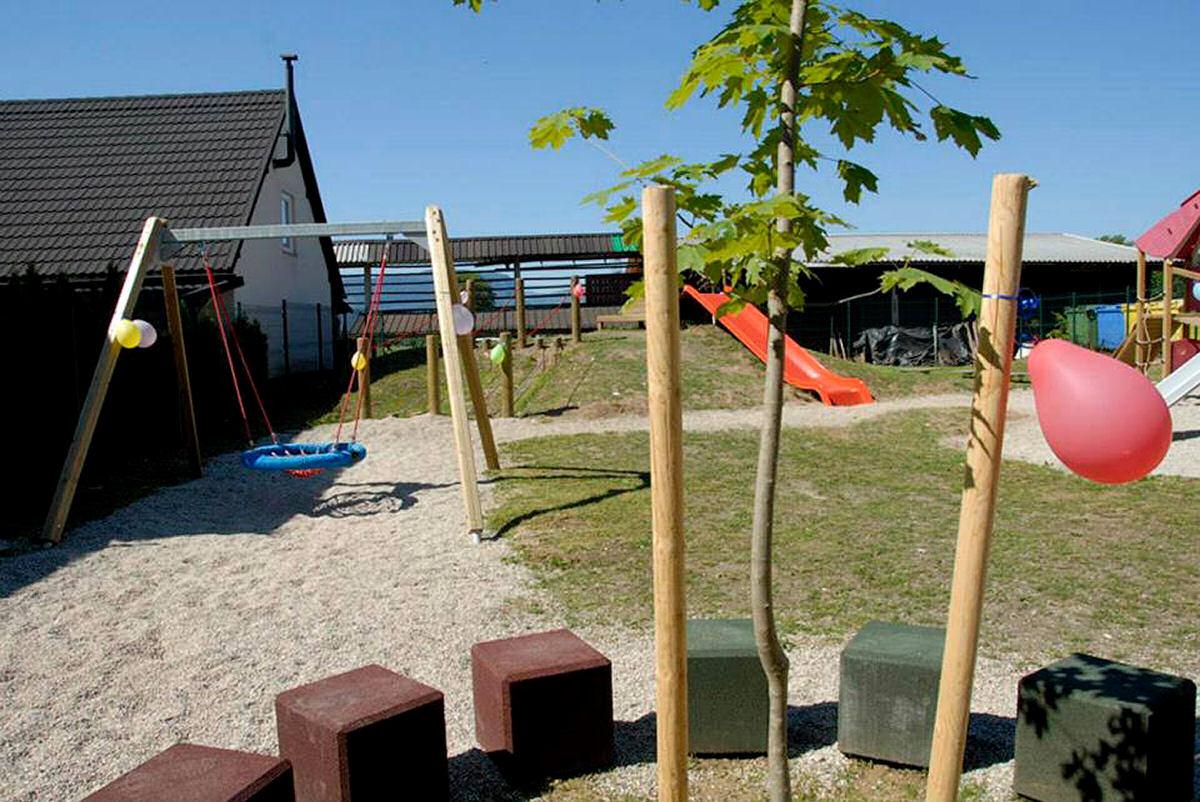 childrens-playground-selo-zirovnica-1