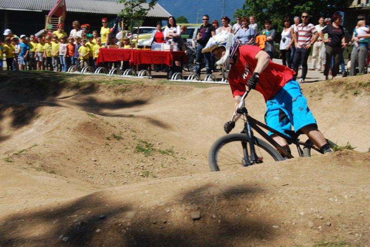 childrens-playground-selo-zirovnica-8