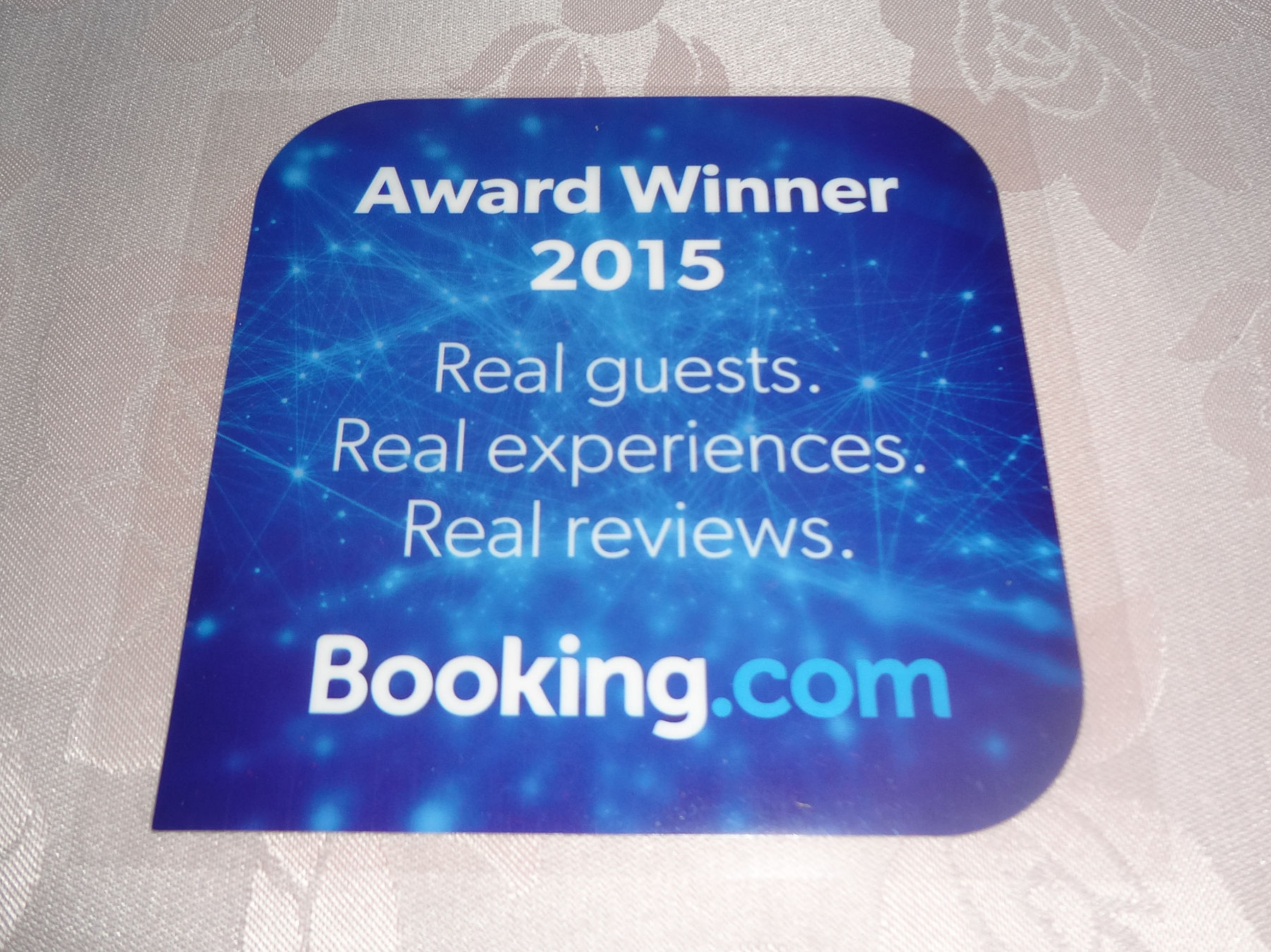 Guest Review Awards 2015 sticker from Booking