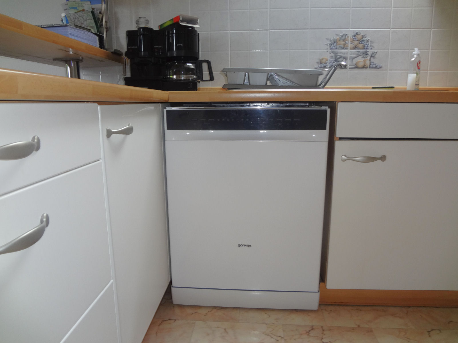 A new dishwasher in the kitchen of the Fine Stay Apartment